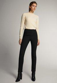 Massimo Dutti - 05041542 - Trousers - black - 0