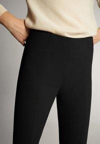 Massimo Dutti - 05041542 - Trousers - black - 4