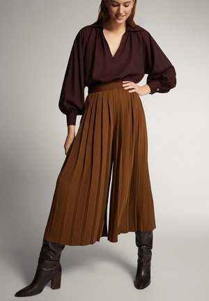 PLEATED PALAZZO TROUSERS 05010773 - Trousers - brown