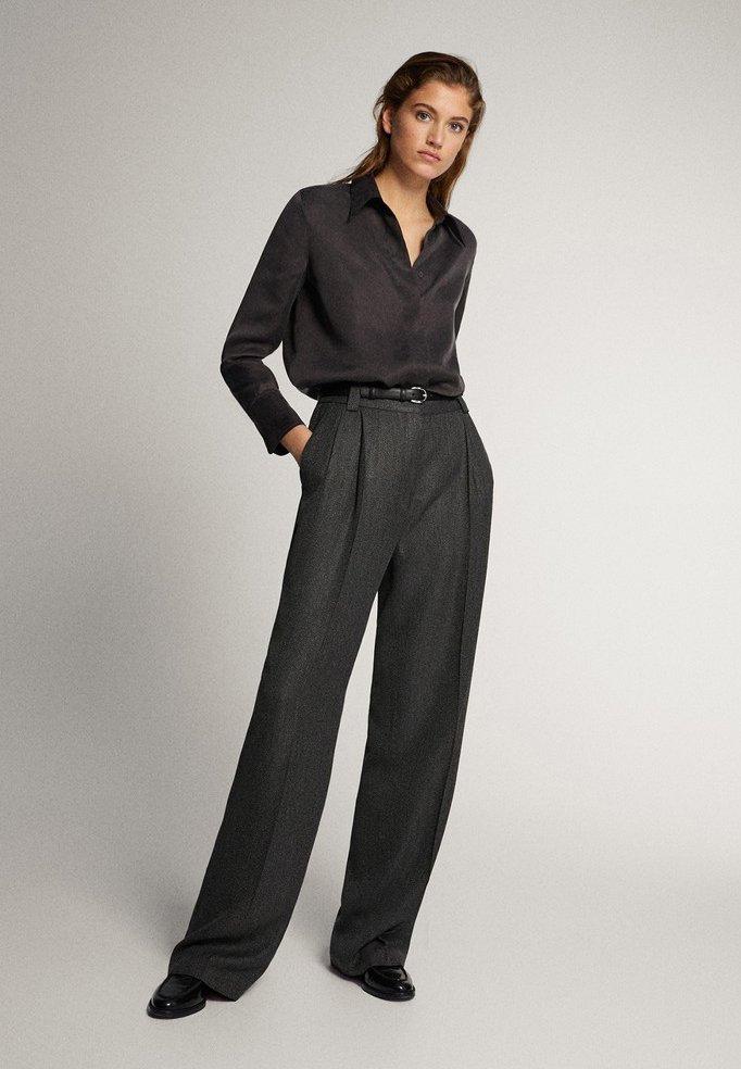 Massimo Dutti - STRAIGHT-FIT-HOSE IN FISCHGRATBINDUNG 05027517 - Pantalon classique - black