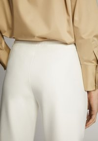 Massimo Dutti - JOGGERHOSE MIT BUND 05045679 - Pantaloni sportivi - white - 3