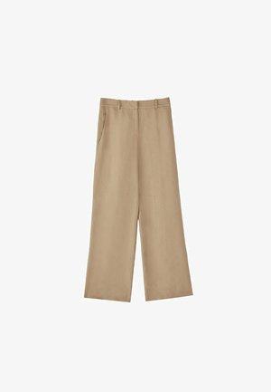 MIT WEITEM BEIN AUS REINEM LEINEN - Pantaloni - ochre