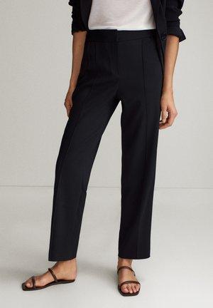 IM JOGGING-FIT - Trousers - black