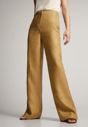MIT BUND UND BUNDFALTEN - Pantaloni - beige