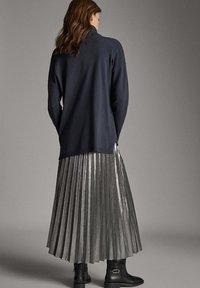 Massimo Dutti - Pleated skirt - silver - 2
