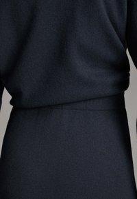 Massimo Dutti - Spódnica trapezowa - dark grey - 4