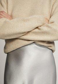 Massimo Dutti - METALLIC SKIRT 05217746 - A-lijn rok - silver - 5
