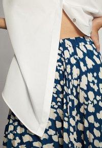 Massimo Dutti - A-line skirt - blue-black denim - 3