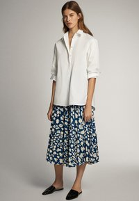 Massimo Dutti - A-line skirt - blue-black denim - 1