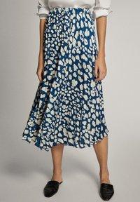 Massimo Dutti - A-line skirt - blue-black denim - 0