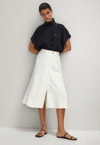 Massimo Dutti - FLIESSENDER - A-line skirt - white - 1