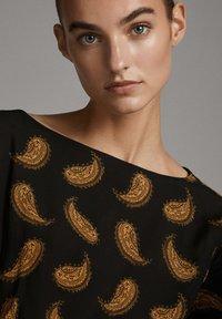Massimo Dutti - MIT PAISLEYPRINT  - Day dress - black - 5