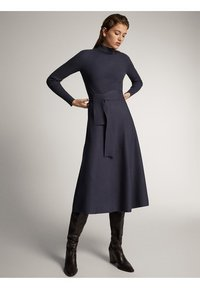 Massimo Dutti - KLEID MIT STEHKRAGEN UND GÜRTEL 06621835 - Day dress - dark grey - 0