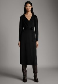 Massimo Dutti - SCHWARZES KLEID MIT PUFFÄRMELN 06638891 - Day dress - black - 1