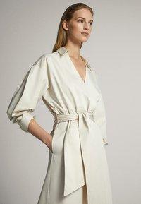 Massimo Dutti - MIT GÜRTEL  - Sukienka letnia - white - 2