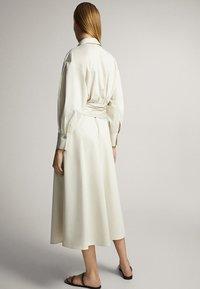 Massimo Dutti - MIT GÜRTEL  - Sukienka letnia - white - 1