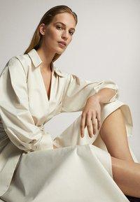 Massimo Dutti - MIT GÜRTEL  - Sukienka letnia - white - 4