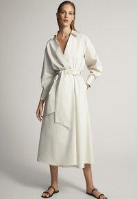 Massimo Dutti - MIT GÜRTEL  - Sukienka letnia - white - 0