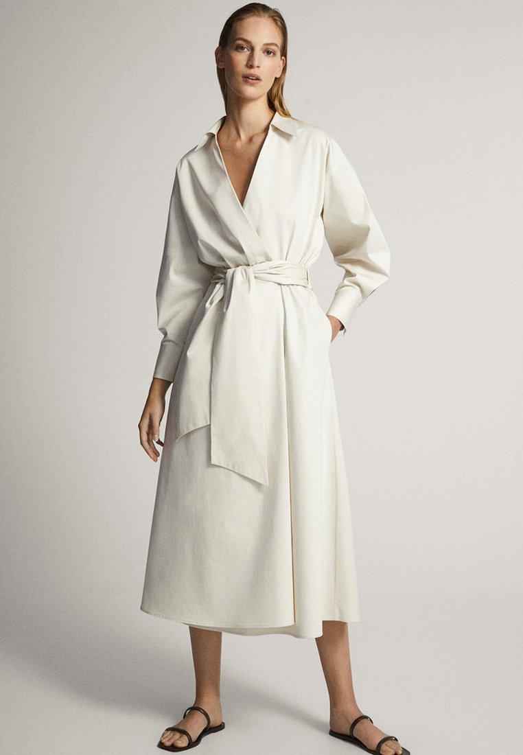 Massimo Dutti - MIT GÜRTEL  - Sukienka letnia - white