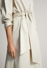 Massimo Dutti - MIT GÜRTEL  - Sukienka letnia - white - 5