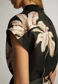 Massimo Dutti - MIT PALMENPRINT  - Skjortklänning - black - 4