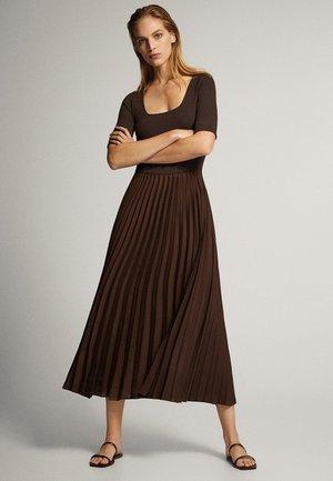 MIT 3/4-ÄRMELN - Sukienka letnia - brown