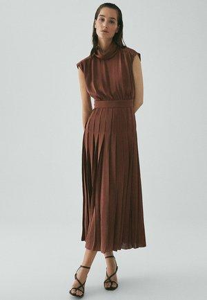 Maxiklänning - red