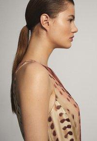 Massimo Dutti - MIT TIE-DYE-PRINT - Maxiklänning - light pink - 4