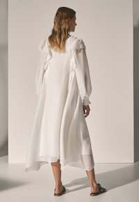 Massimo Dutti - Długa sukienka - white - 1