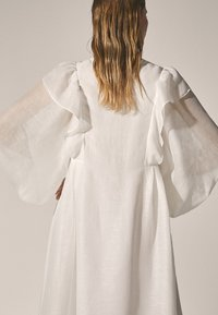 Massimo Dutti - Długa sukienka - white - 3