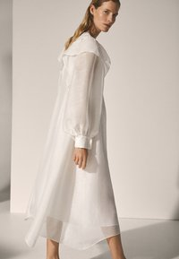 Massimo Dutti - Długa sukienka - white - 4