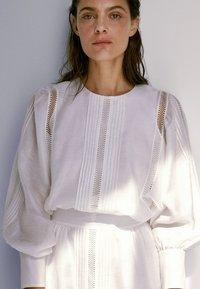 Massimo Dutti - Korte jurk - white - 3