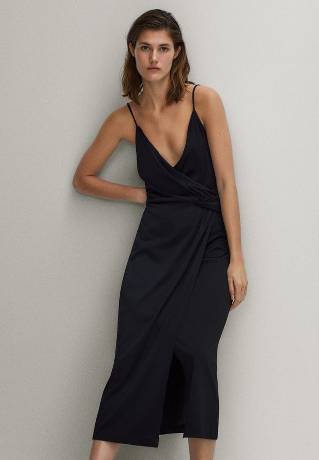 SCHWARZES TRÄGERKLEID 06676780 - Day dress - black