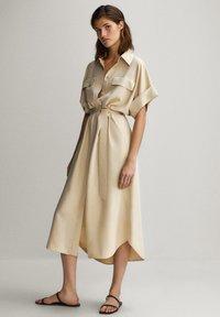Massimo Dutti - HEMDKLEID MIT TASCHEN UND GÜRTEL 06626546 - Shirt dress - beige - 2