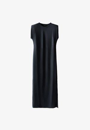 MIT SCHULTERPOLSTERN - Maxi dress - blue-black denim