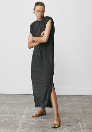 MIT SCHULTERPOLSTERN - Maxi dress - blue-black denim