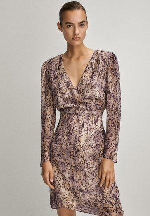 MIT V-AUSSCHNITT - Day dress - dark purple
