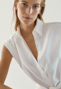 Massimo Dutti - Sukienka koszulowa - white - 6
