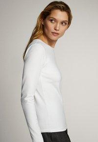 Massimo Dutti - T-shirt à manches longues - white - 4
