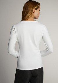 Massimo Dutti - T-shirt à manches longues - white - 2