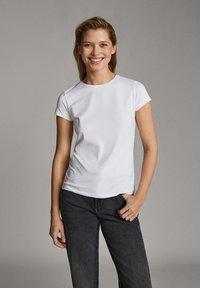 Massimo Dutti - Basic T-shirt - white - 5
