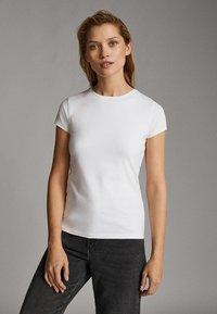 Massimo Dutti - Basic T-shirt - white - 7