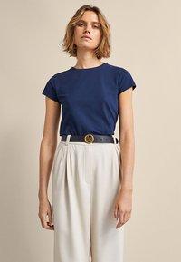Massimo Dutti - BASIC - Basic T-shirt - dark blue - 0