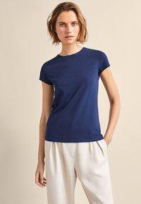 Massimo Dutti - BASIC - Basic T-shirt - dark blue - 1