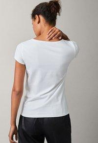 Massimo Dutti - Basic T-shirt - white - 6