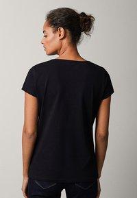 Massimo Dutti - Basic T-shirt - black - 2