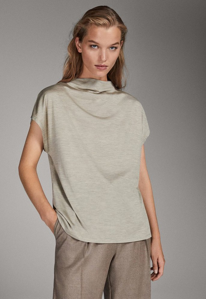 Massimo Dutti - CAMPAIGN COLLECTION - Basic T-shirt - nude
