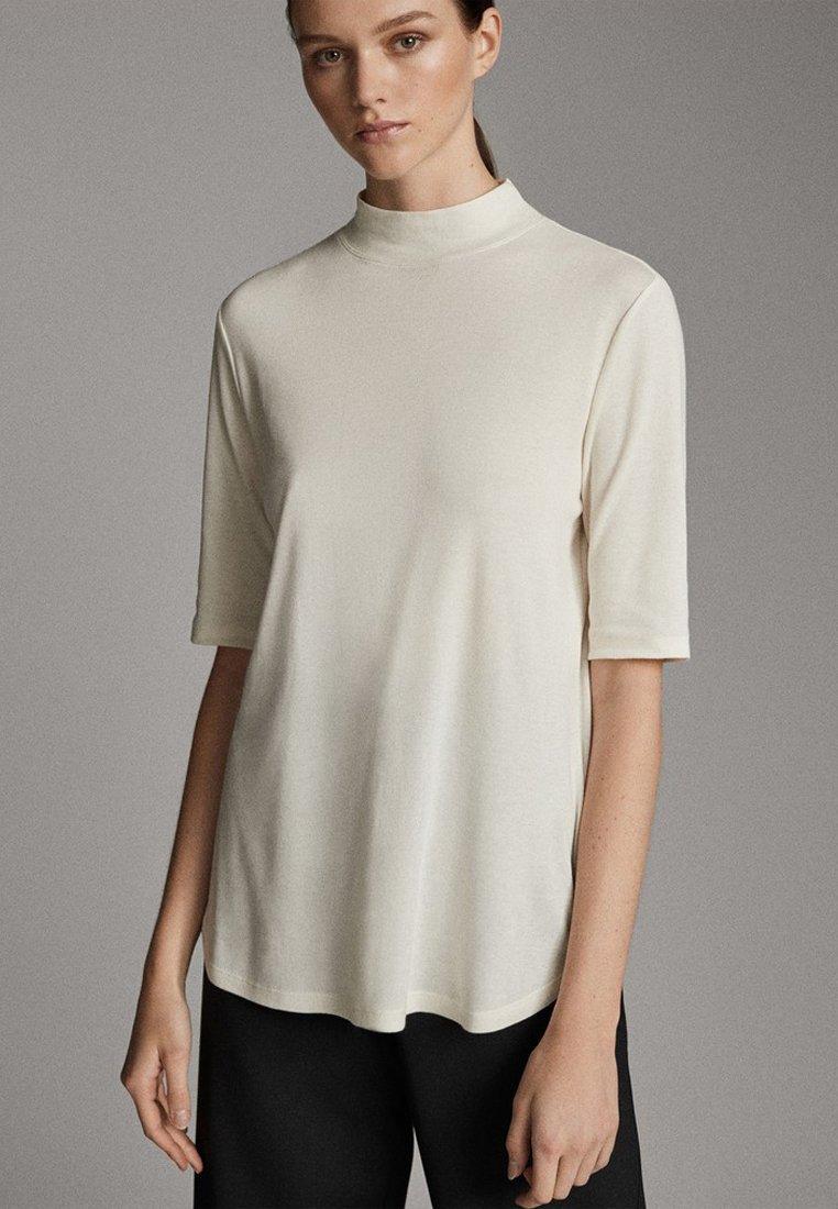 Massimo Dutti - STRAIGHT FIT - Basic T-shirt - white