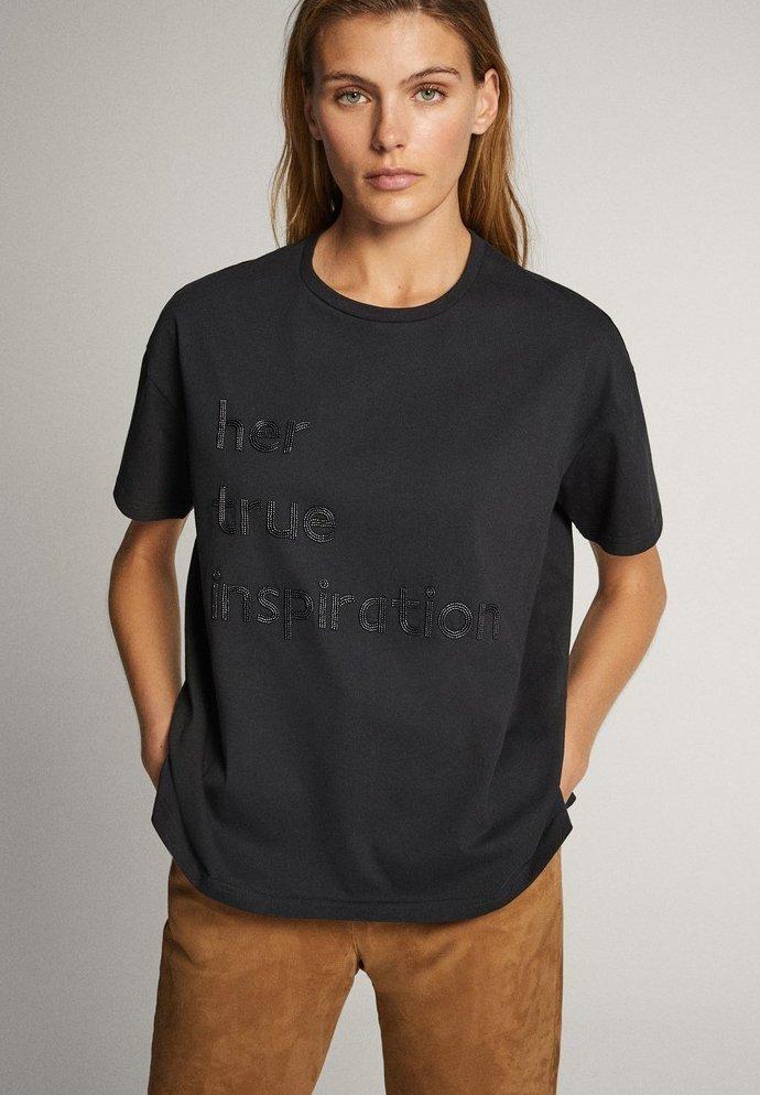 Massimo Dutti - BAUMWOLLSHIRT HER TRUE INSPIRATION 06820551 - Print T-shirt - dark grey