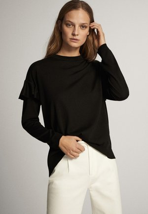 MIT BATEAU-AUSSCHNITT UND VOLANTDETAIL  - Maglietta a manica lunga - black